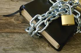 bible-in-chains